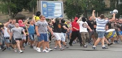 Марш футбольных фанатов в Харькове!