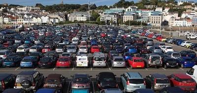 Почему парковка дорогая?