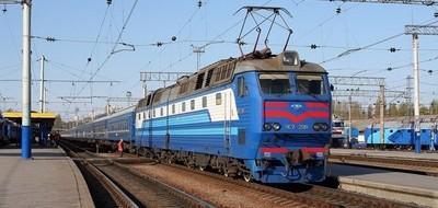 Украинцы пересели из автомобилей в поезда и самолёты